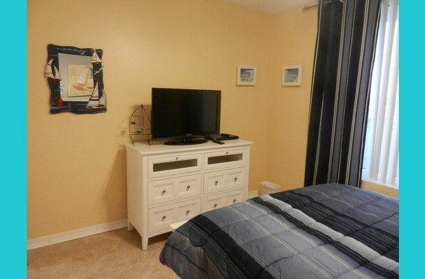 Flat screen TV in guest room as well!